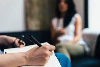 En tant que psychologue à Grenoble, je pratique la thérapie brève systémique