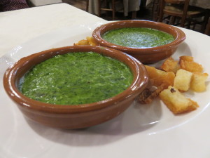 Crema de espinacas, aperitivo en Casa Zaca (foto: Cuchillo)
