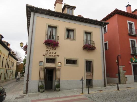 El remozado edificio de Casa Zaca en pleno Real Sitio de San Ildefonso (foto: Cuchillo)