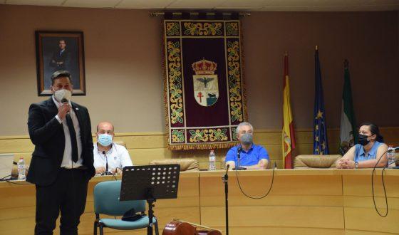 El profesor Javier Durán presenta su libro sobre el coronavirus