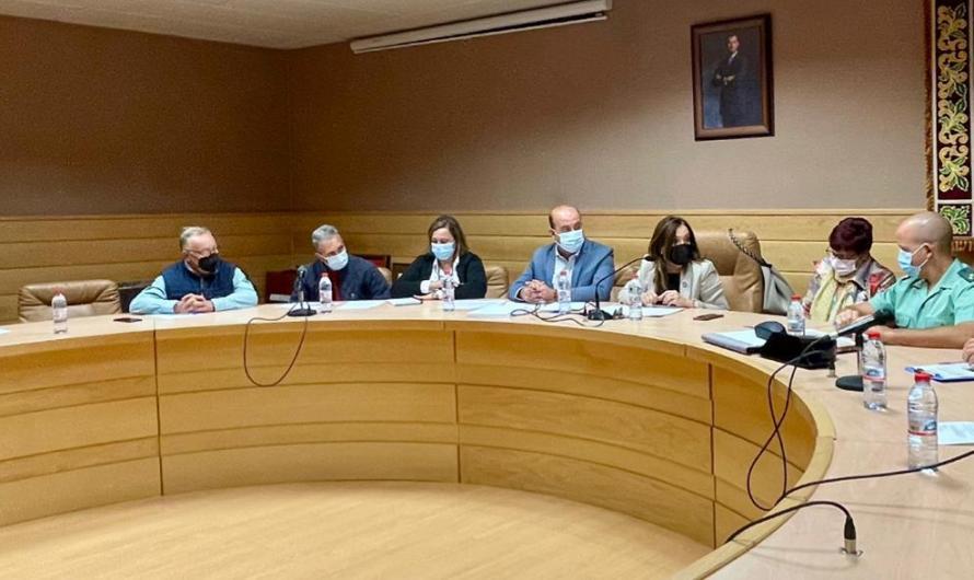 la Junta Local de Seguridad de Pozo Alcón  analiza el inicio de la campaña de recolección de la aceituna