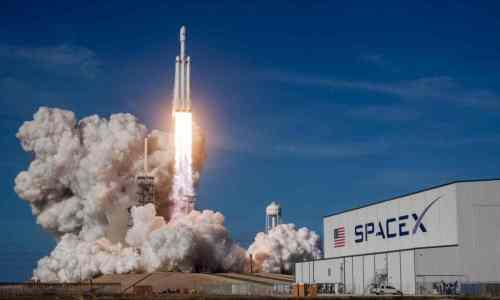 En pausa el contrato de SpaceX con la NASA para desarrollar el módulo de aterrizaje lunar
