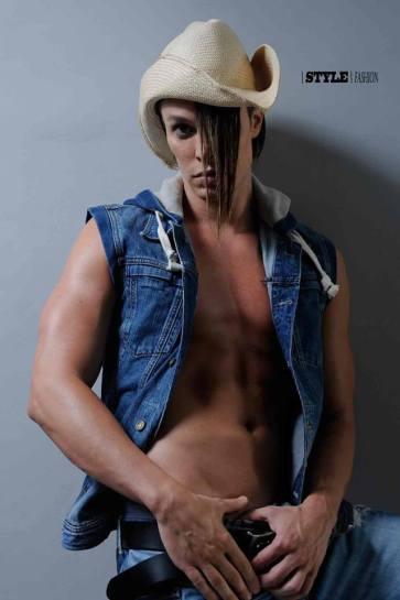 Lord_Conrad_sexy_modeling_job