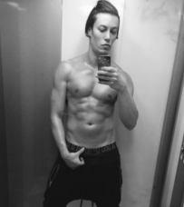 Lord_Conrad_Sexy_Selfie_Body