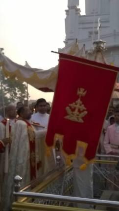 Athirampuzha feast 2016 - flag hoisting (6)