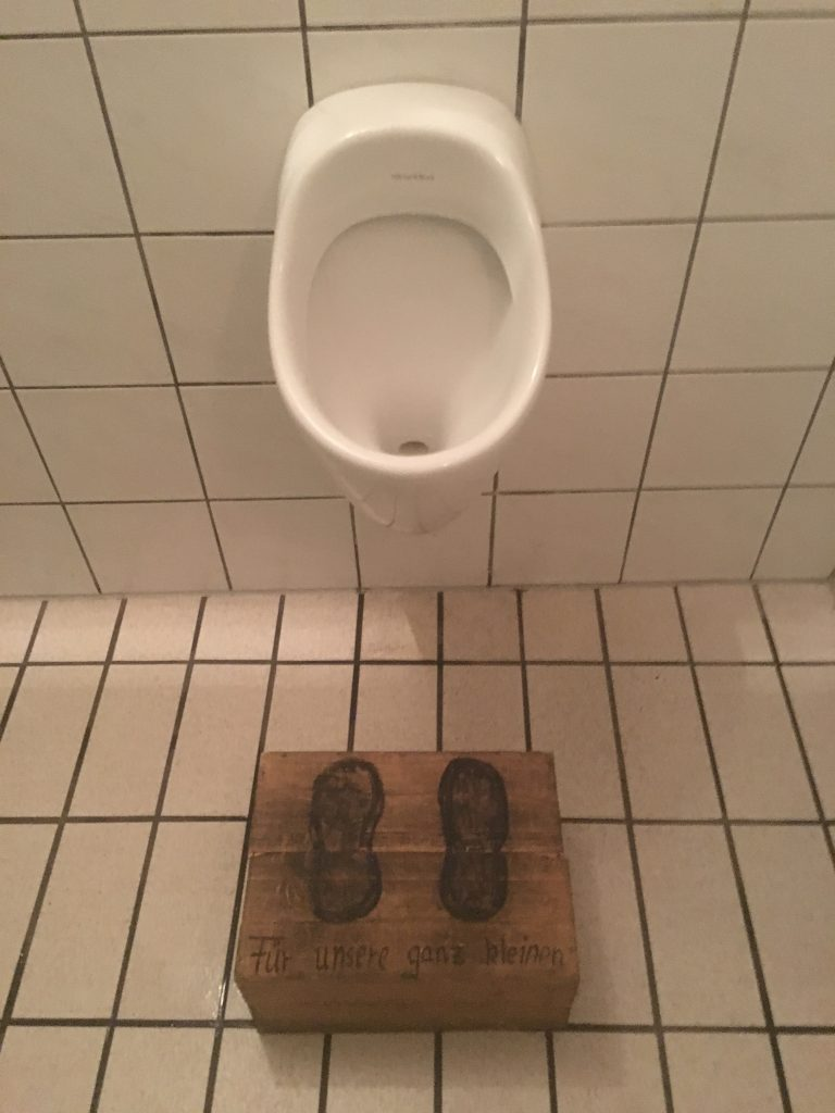 verhoging voor bij de wc. Duitsland, Bad Ischl