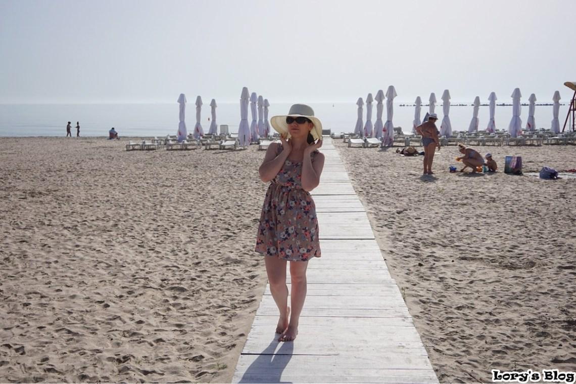 tinuta-de-plaja-dresslink-lorysblog-mamaia