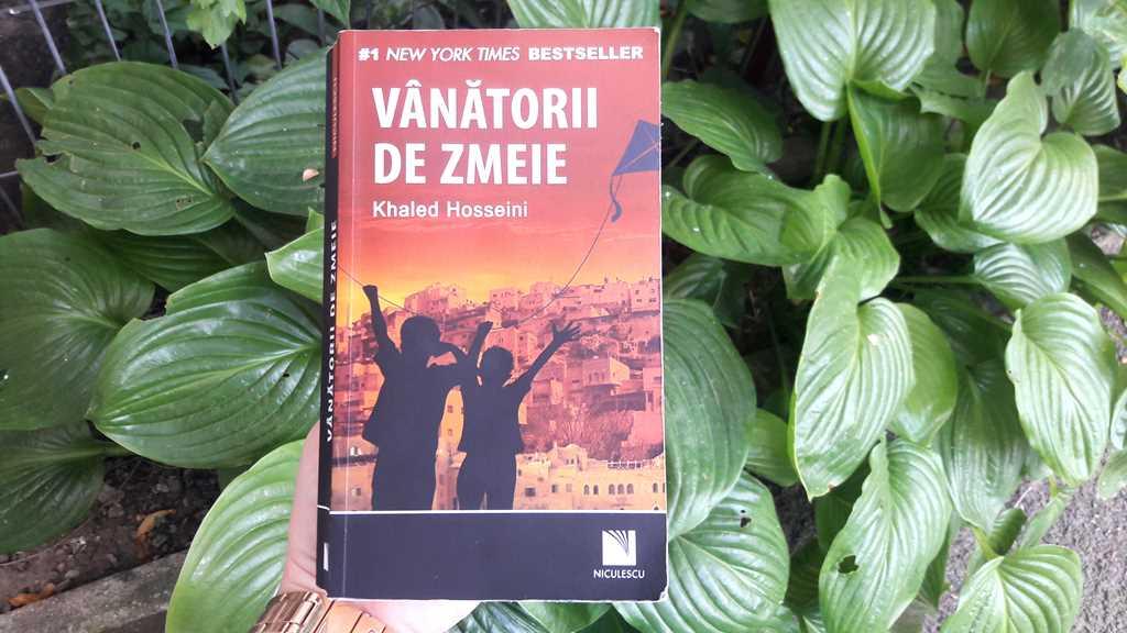 Recenzie carte: Vânătorii de zmeie – Khaled Hosseini