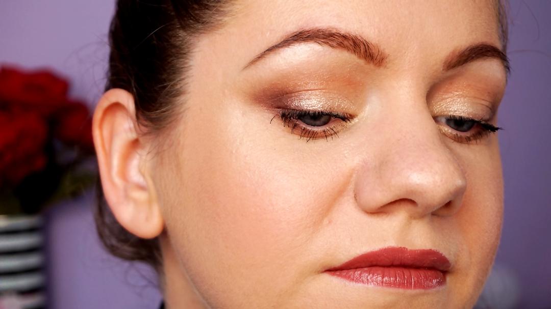 closer makeup using Gerovital Beauty