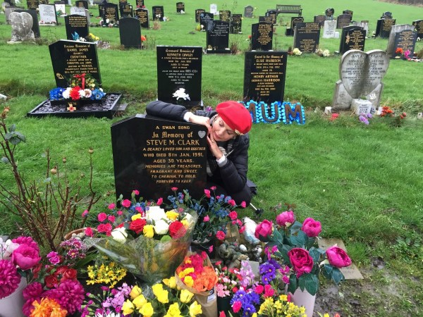 Steve Clark's grave at Wisewood Cemetary
