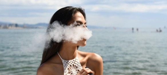 How To Pick The Best E Juice For Your Personal Vaping Device - Blog Lorelei Web Design