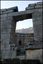 detail du temple du soleil / detail of the temple of the sun