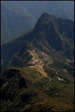 vue d'ensemble du site depuis le sommet de la montagne Machu Picchu
