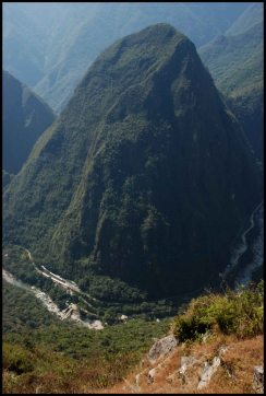 montagne Puucusi et rvière urubamba