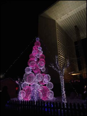 Illumination de Noël, Grande Arche de la Défense - France