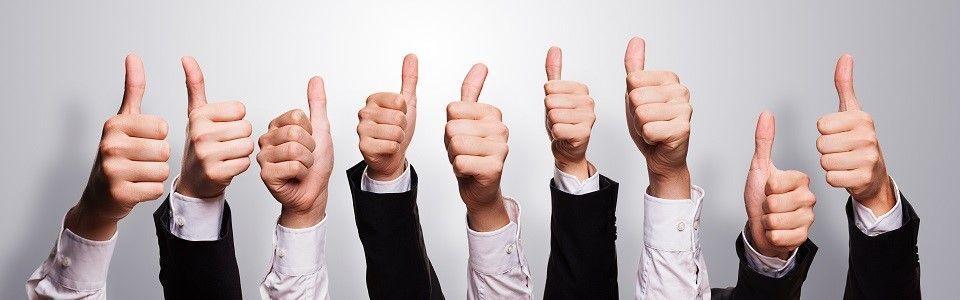 clientes satifechos - Cuatro pasos para mejorar la experiencia del cliente con las redes sociales