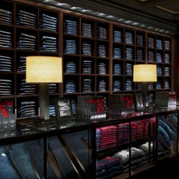 Abercrombie & Fitch - Interior