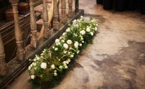 LORETO AYCUENS Estudio floral camino ranunculos musgo
