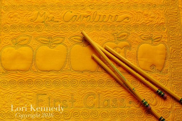 Machine Quilting, Teachers, Motifs, Pencils, Apple, Worm