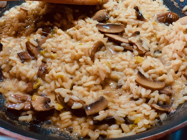 mushroom risotto in the skillet