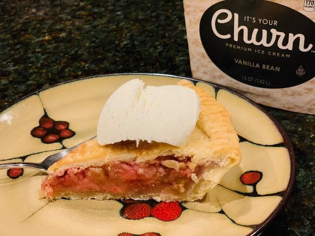 strawberry rhubarb pie and ice cream