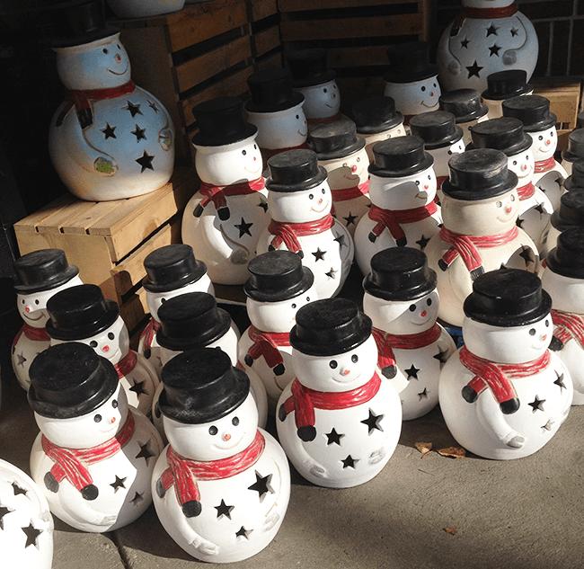 Marching-snowmen