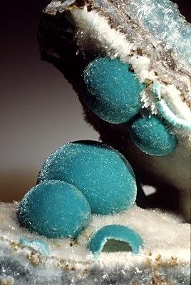 Aurichalcite, a zinc mineral