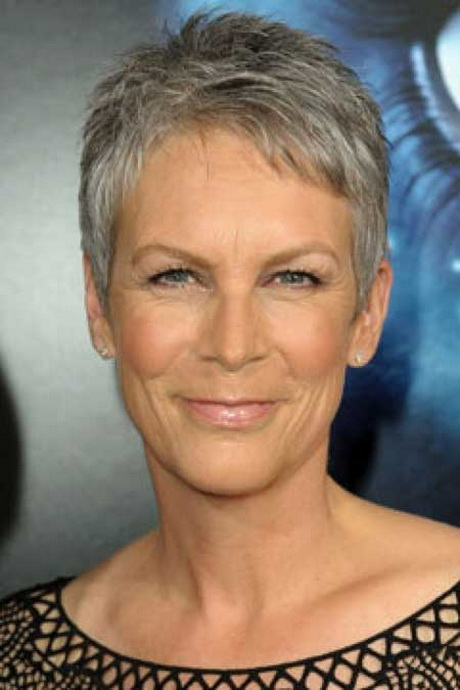 11 Best Short Hairstyles For Women Over 60