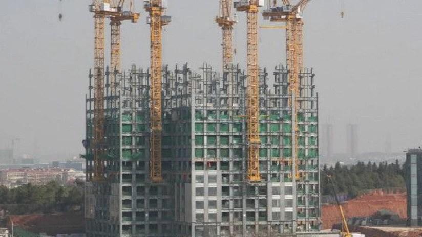 5 de los edificios más altos en donde se ha visto el oficio del albañil