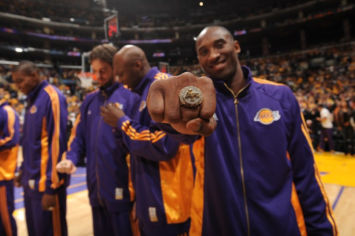 Kobe's Memorabilia Sold For Combined $433,431 – CBS Los Angeles