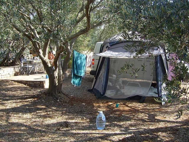 tent-518713_640