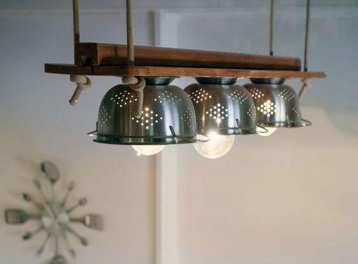 Gli scolapasta sono dei lampadari