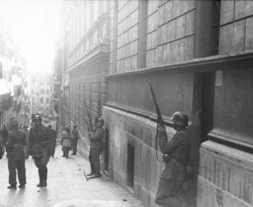 Carla Capponi la donna partigiana all'attentato di via Rasella a Roma 23 marzo 1944