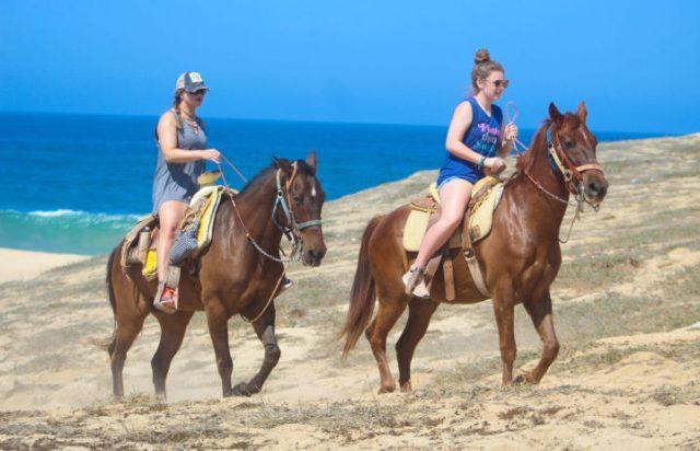 Picacho Horseback (2 of 2)