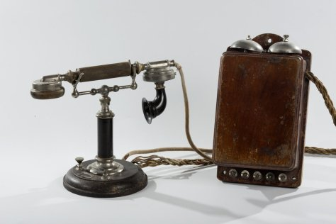revolutionary-smolny-telephone