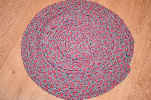 como hacer alfombra de trapillo