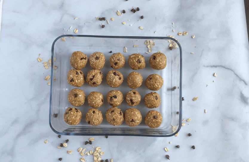 Healthy cookie dough protein bites
