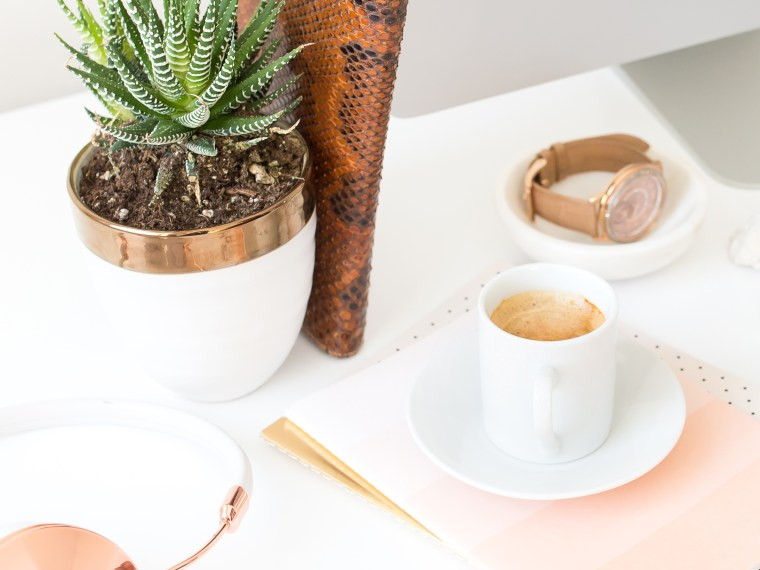 office desk accessories and tips for bright work days