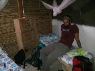 """Nuestra """"habitación privada"""" en una de las cabañas."""