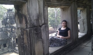2013 - Mónica en uno de los templos de Angkor Wat