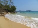 Si te alejabas un poco del pueblo podías encontrar playas como esta