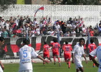 El equipo celebra con la BDB. Foto: www.loslocosdesiempre.com