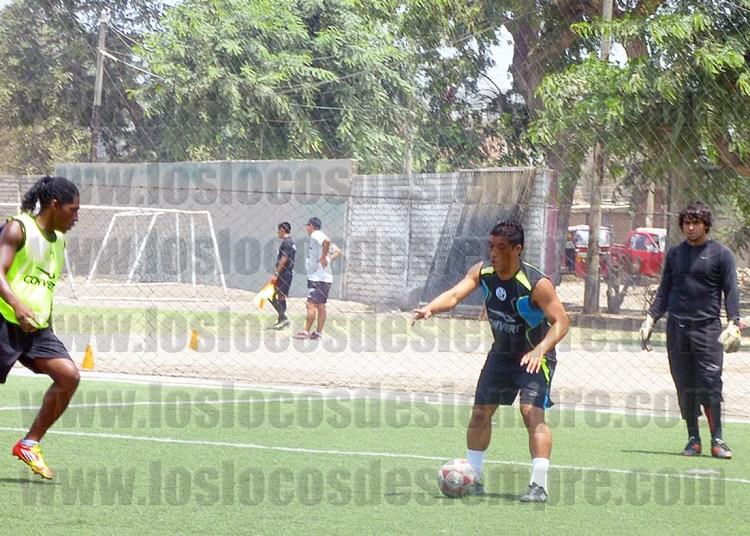 Sifuentes y Cartagena poniéndole ganas a los entrenamientos. Foto: www.loslocosdesiempre.com