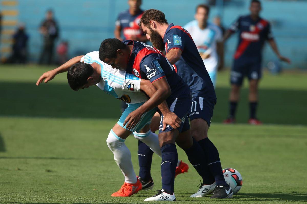Deportivo Municipal derrota 2-0 al Sporting Cristal