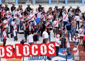 La Banda del Basurero (BDB) alentando sin importar el resultado. Foto: LOSLOCOSDESIEMPRE/Enzo Mori
