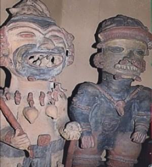 Figuras representativas de Seres Reptiloides-humanoides.