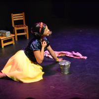 Una vuelta a la manzana en el Círculo Teatral