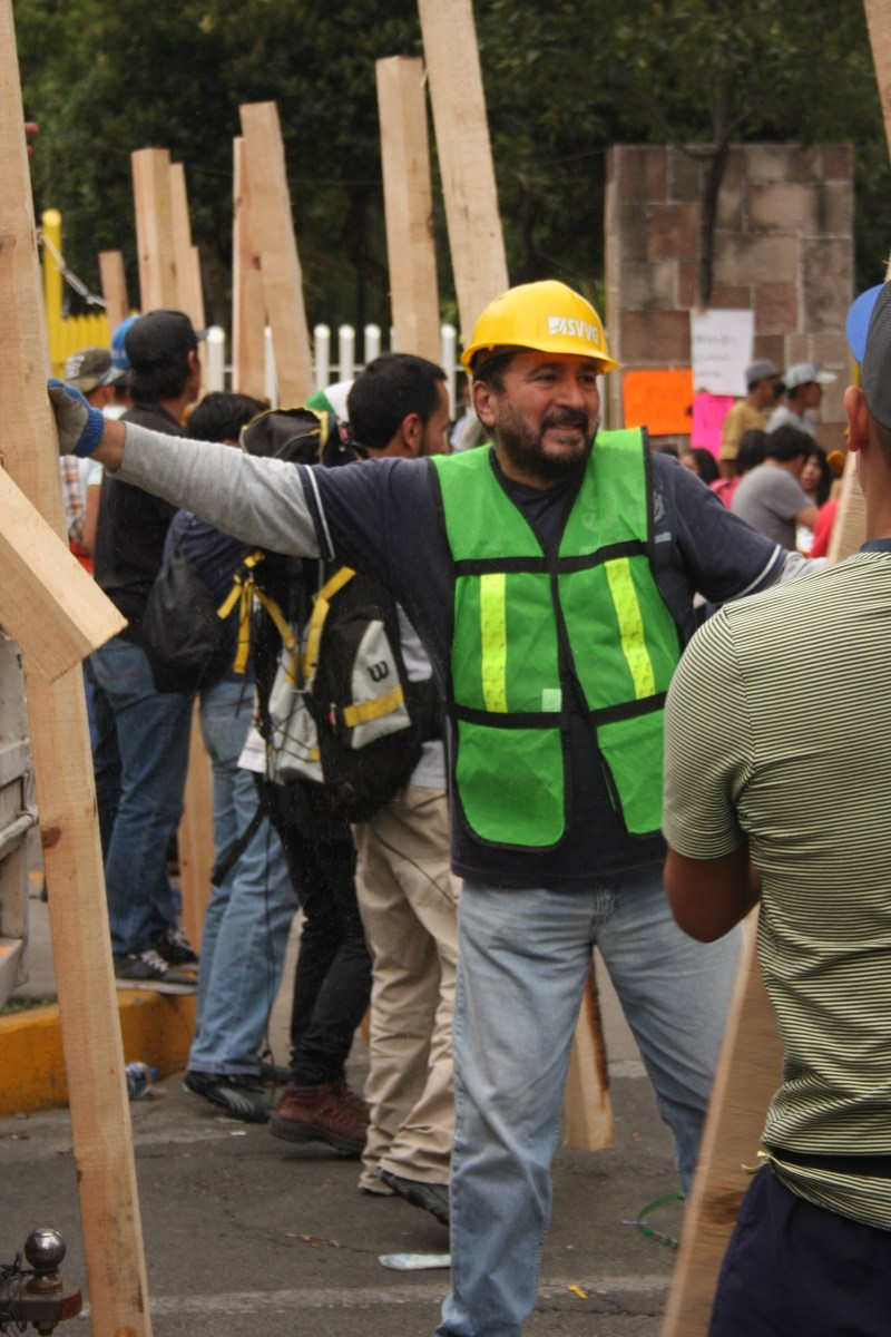 Tras la tragedia, la solidaridad capitalina reconquista sus espacios