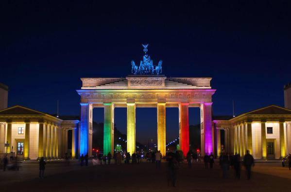 La-Porta-di-Brandeburgo-a-Berlino