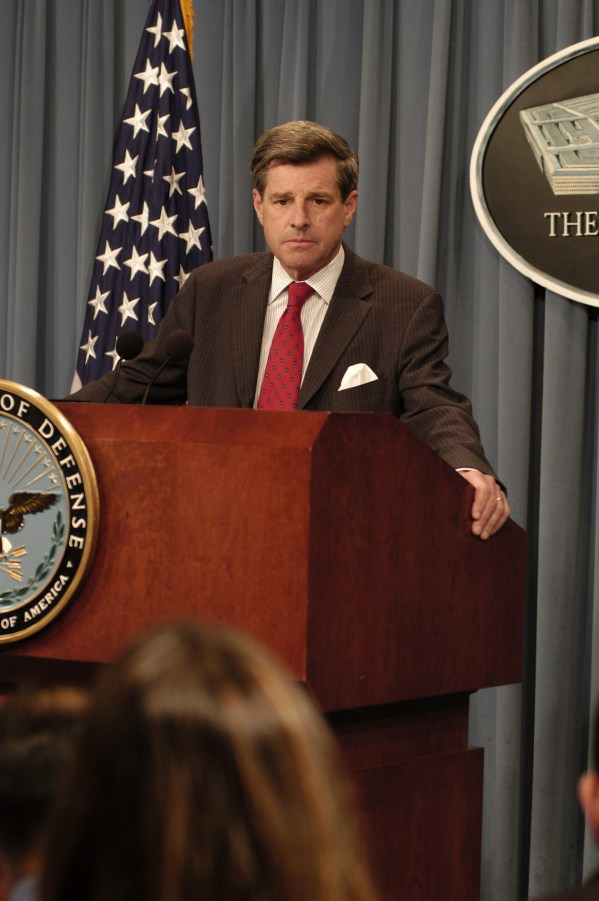 US_Navy_030926-D-2987S-011_Administrator_of_the_Coalition_Provisional_Authority_in_Iraq,_Ambassador_Paul_Bremer_listens_to_a_reporter's_question_during_a_Pentagon_briefing.jpg